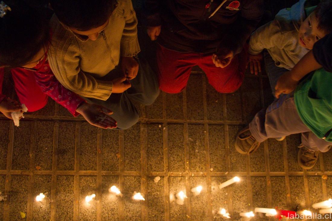 Imágenes de la velatón por los jóvenes baleados en Valparaíso, desarrollada en Maipú