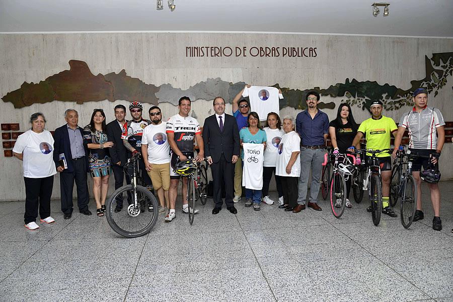 Ministro Undurraga recibió a agrupaciones de ciclistas de Maipú para comunicarles pronta construcción de ciclovía en Camino a Melipilla